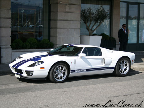 http://www.luxcars.ch/images/1695_ford_gt.jpg