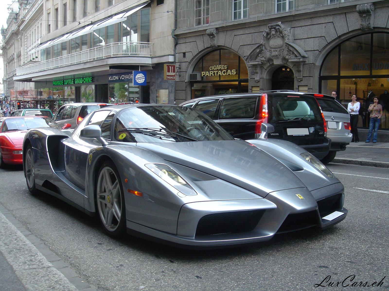 """www.luxcars.ch/wallpapers/404_ferrari_enzo_1600.jpg"""" no puede mostrarse, porque contiene errores."""